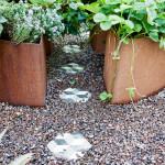 Projekt i köksträdgården med Konradssons kakel