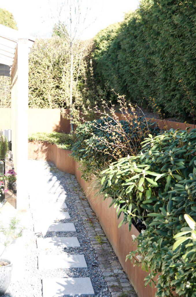 66c9c4d0 Längtar till mina rhododendron längs med orangeriet börjar blomma i  rosavita kaskader. I år kommer jag kunna njuta maximalt av dem, då jag även  kommer kunna ...